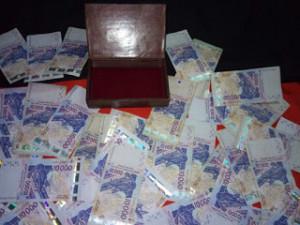 LA BOITE QUI VOMI 500.000F PAR JOURS-GRAND MARABOUT KOKOUVI.